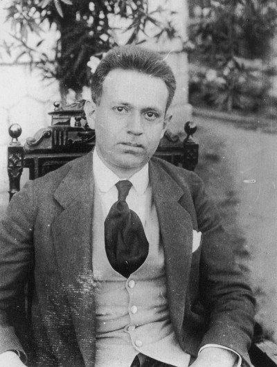 """Kurt Tucholsky: """"Nichts ist schwerer und erfordert mehr Charakter, als sich in offenem Gegensatz zu seiner Zeit zu befinden und zu sagen: NEIN!"""""""