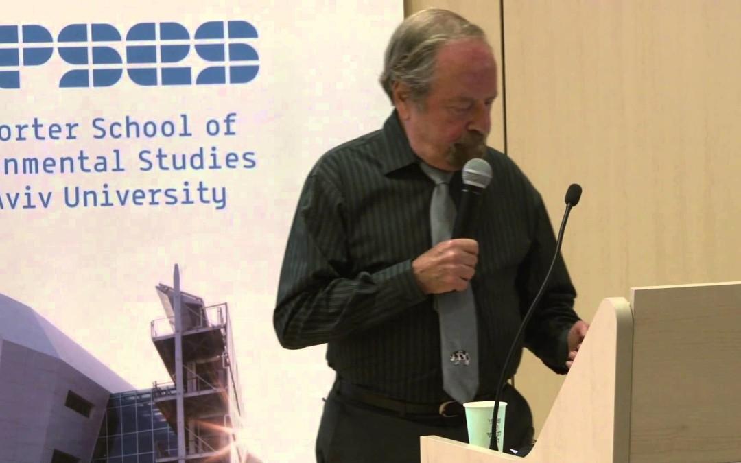 Der 81-jährige Jude Alex Hershaft erklärt in einer beeindruckenden Rede an der Universität von Tel Aviv den Zusammenhang zwischen dem Holocaust der Juden und dem Holocaust der Tiere