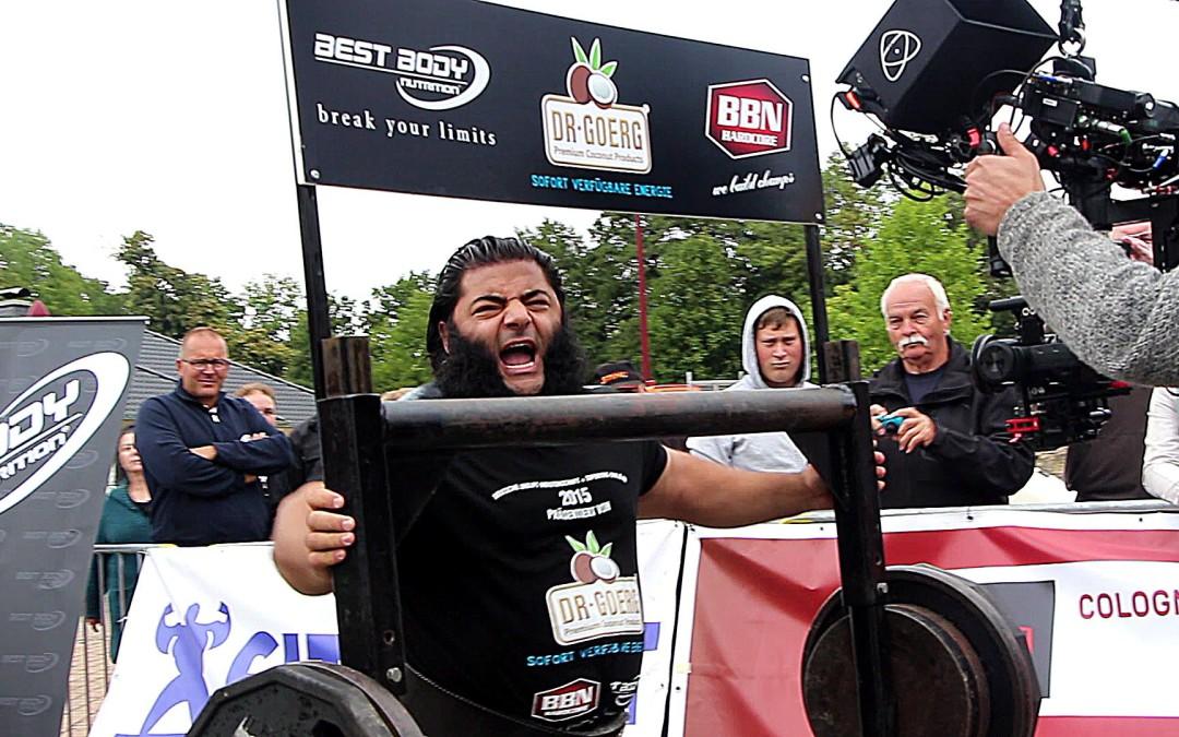 Strongman Patrik Baboumian bei seinem Weltrekord mit 560 kg
