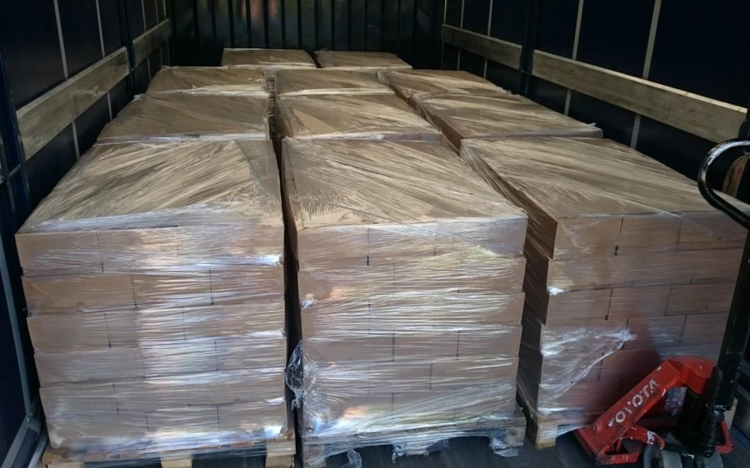 200.000 Vegan-Broschüren in Spanien auf dem Tierrettungshof El Hogar ProVegan eingetroffen
